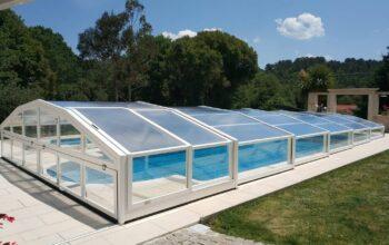 Cubierta baja de piscina versatile instalada en Cantabria